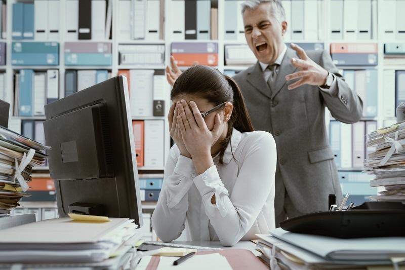 Jak agencja detektywistyczna może pomóc w przypadku mobbingu i molestowania w pracy?